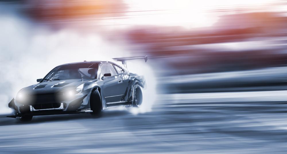 新しい記事: カーレーサーの世界とその先にあるもの