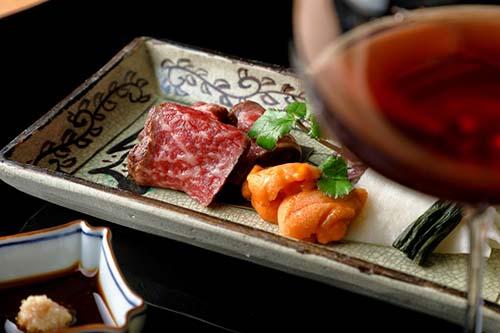 新しい記事: アマン京都-日本料理鷹庵が丹波平井牛コースの提供を開始